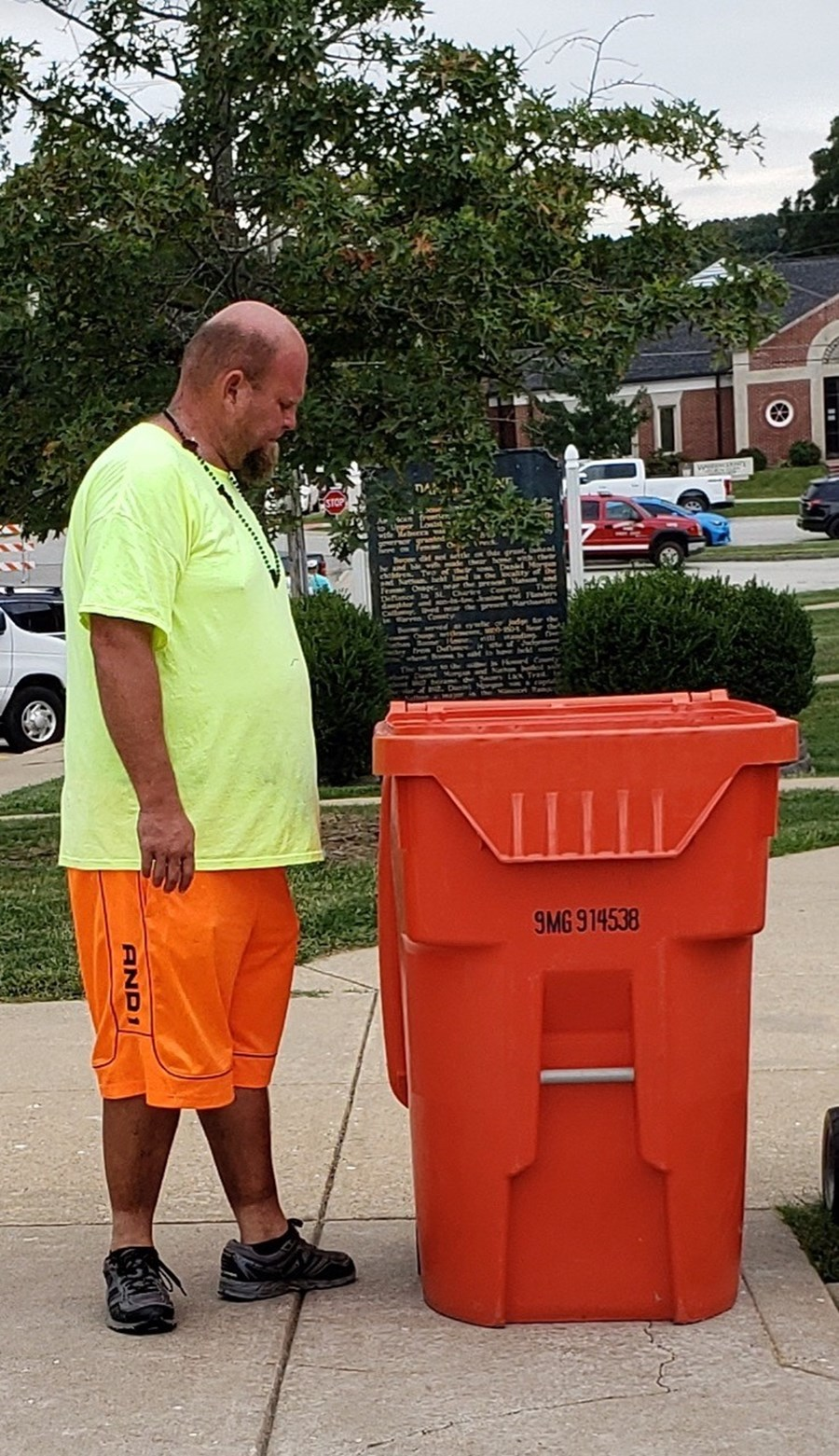 Meridian Waste Tackles Trash During Warrenton's Fall Festival